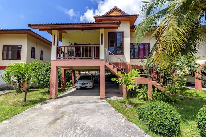 Secluded House & Pool 2 Bedroom