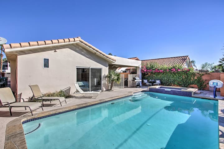 Updated La Quinta House w/Private Pool + Hot Tub!
