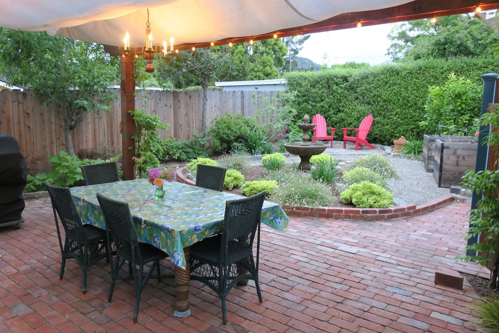 Backyard dining...