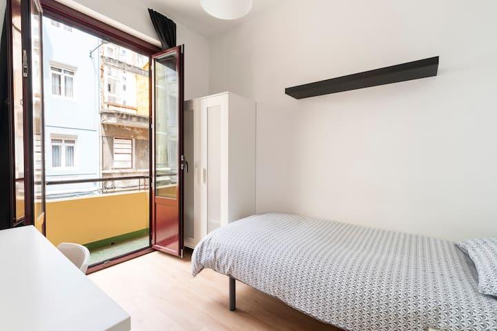 Apartamento céntrico  y luminoso.3 habitaciones