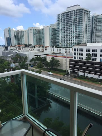 Amazing and Beautiful Private Room in Sunny Isles