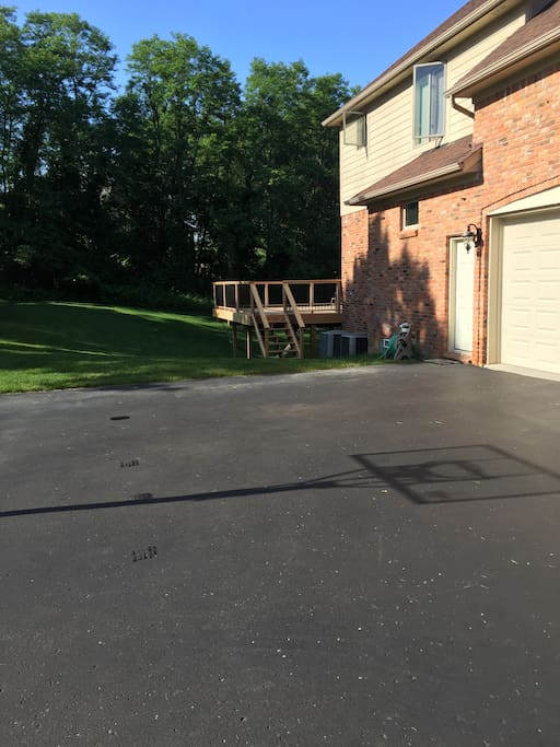 Basketball court available in the driveway