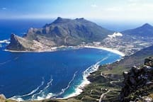 Hout Bay a mere 4ks to all the shops, restaurants, hikes, paddle skis to hire, swimming, horse-riding, historic harbour, best week-end market in Cape Town