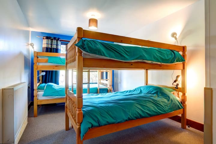 Lunan Bay Stays - Bunkhouse Private Twin Bunk Room