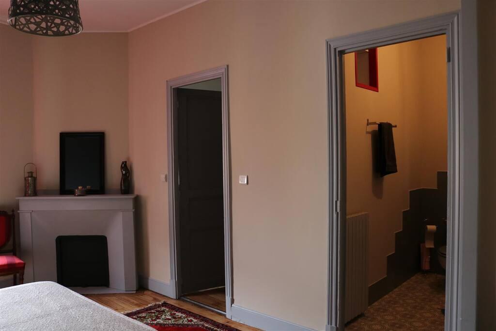 Chambre Shéhérazade Grande chambre avec salle d'eau et une arrière-chambre-dressing.