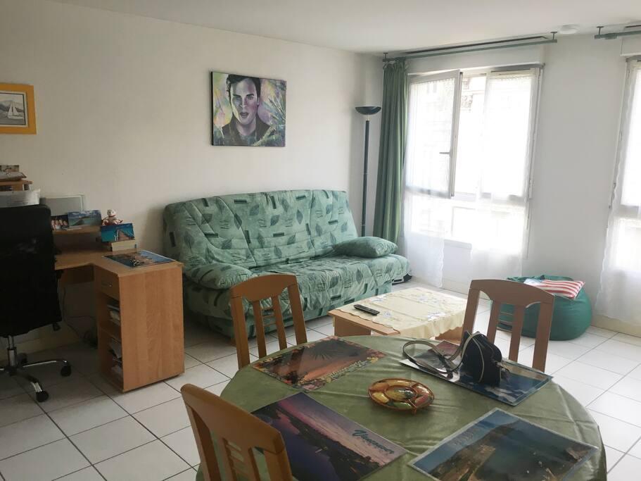 T2 bordeaux centre avec parking privatif appartements en for Appartement a louer bordeaux centre t2
