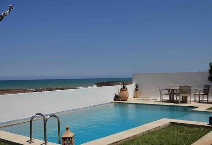 Villa Moderne-vue mer Plage Oued Cherrat, Bouznika - Ben Slimane - ทาวน์เฮาส์