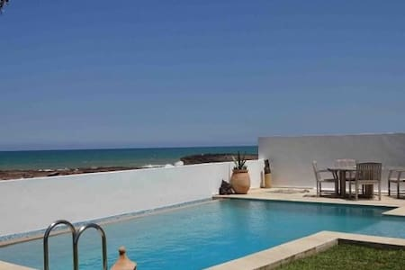 Villa Moderne-vue mer Plage Oued Cherrat, Bouznika - Ben Slimane - 连栋住宅
