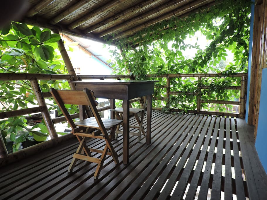 A clearer shot of the porch - room for a hammock and table.