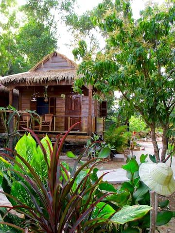 Om Home Standard Bungalow 2 - Krong Preah Sihanouk - Bungalow