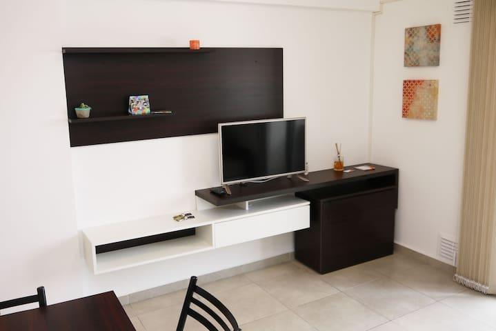 Like Home 51 F