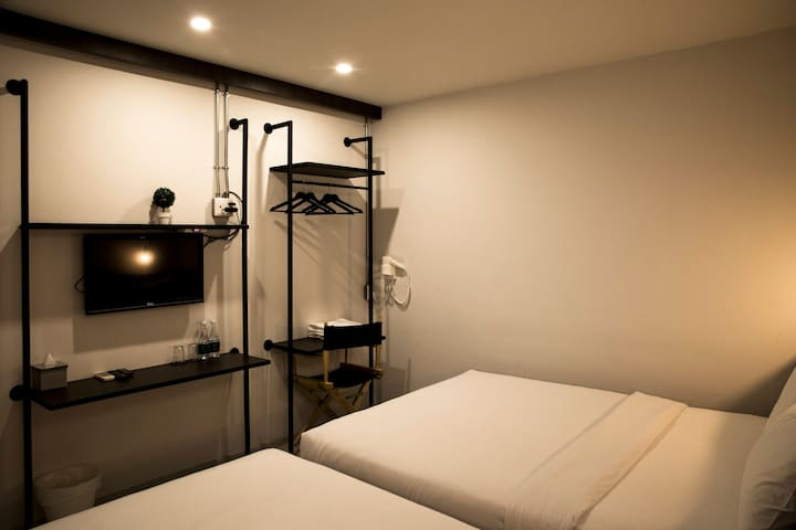 Deluxe Room for 3 in old town Bangkok