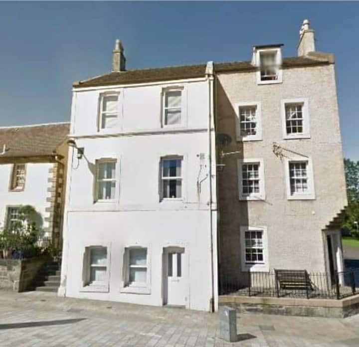 Characterful Apartment in the heart of Kilwinning