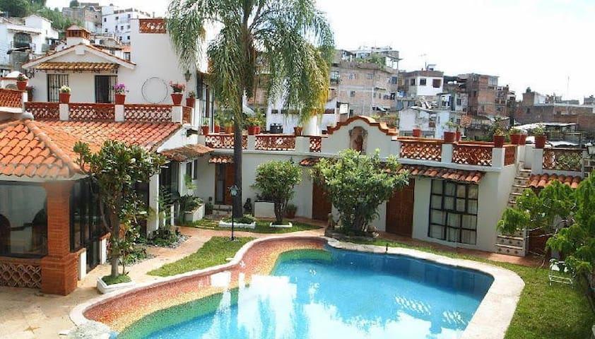Hermosa casa típica para vacaciones - Taxco - Huis