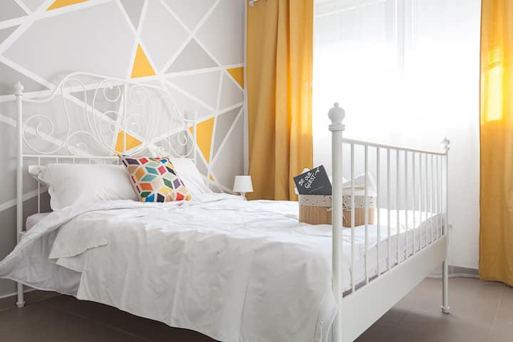 ⭐Central COLORS Apartment in the Bohemian Quarter