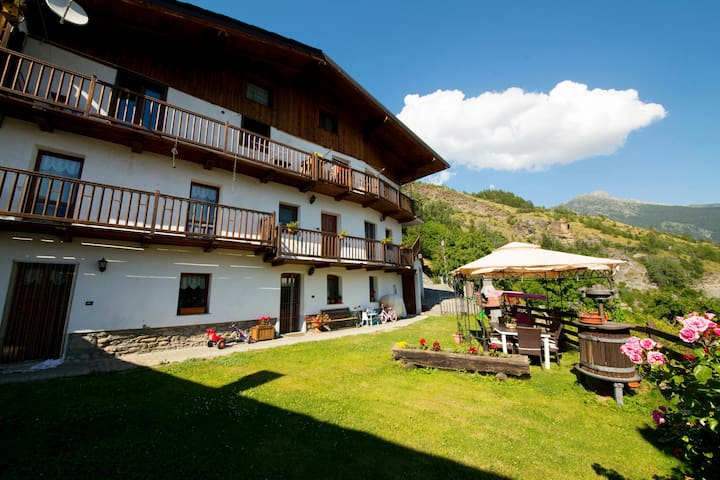 Casa rustica in Valle d aosta - Ayez - Appartement