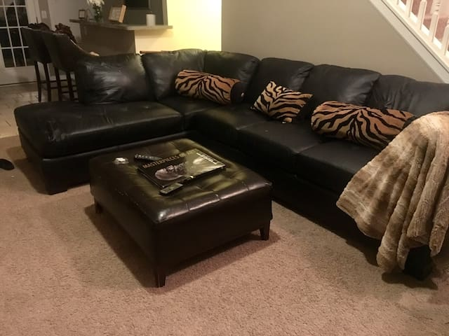 Comfy & Cozy Home .13 mi from downtown ATL
