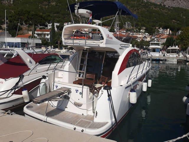 Pearlsea Yachts