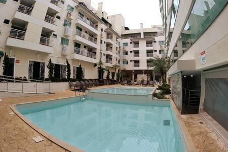 Hotel & Spa p/04 pessoas em Bombinhas verão 2020