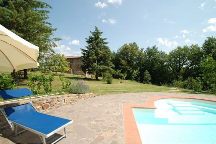 Independent country house with private pool