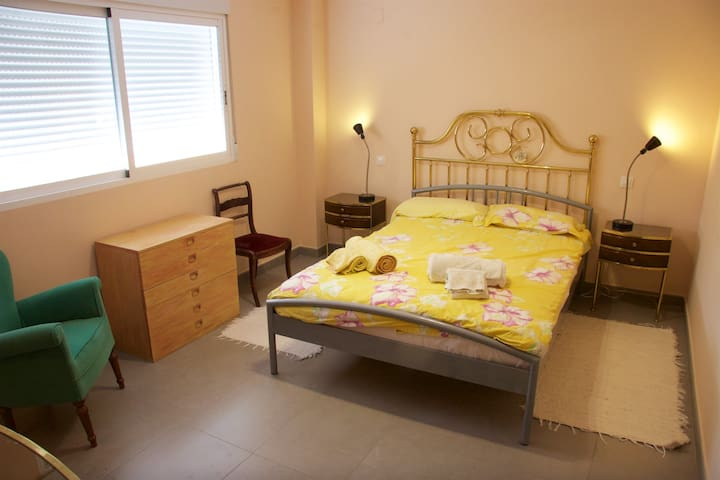 Lovely big room in suite near Denia - Sanet y Negrals