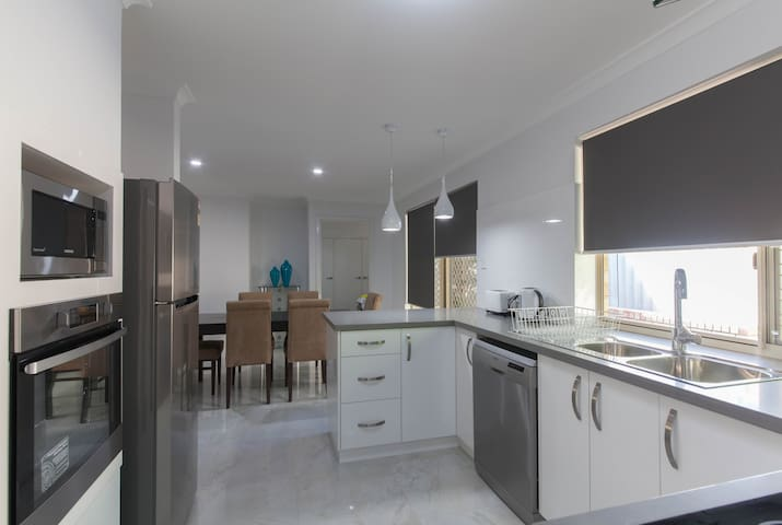 PERTH/Burswood 3 bedroom Villa