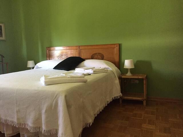 Casa Lucia: Green Room