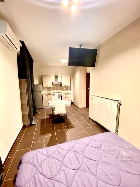 HH New Apartment  Centro con Cucina e Balcone - 12