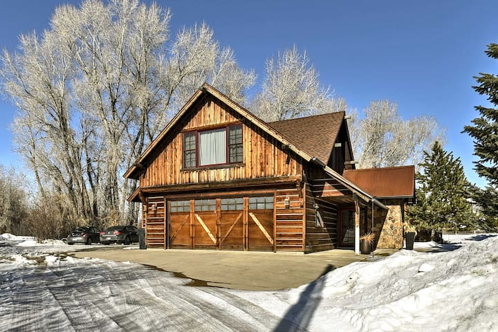 Secluded Luxury Home - 20 Mi to Bridger Bowl Ski!