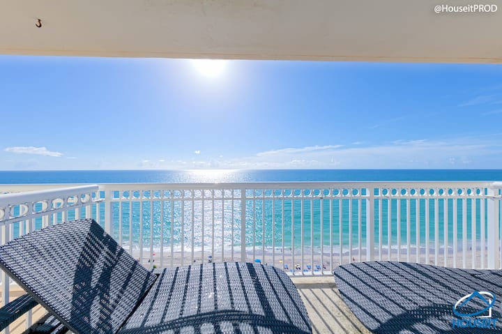 OCEANFRONT CONDO IN MIAMI BEACH!