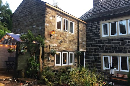 Pots & Pans Cottage, Saddleworth, Uppermill