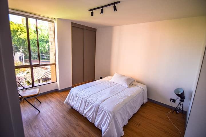Room (w/ private bathroom) in beautiful apartment