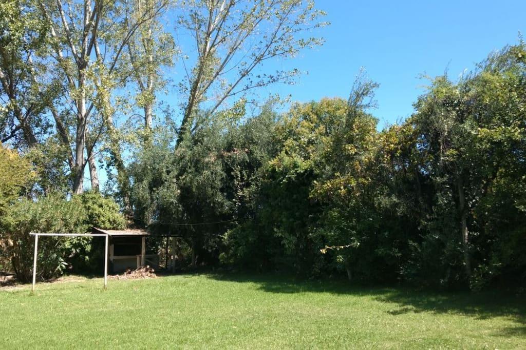 Jardín Privado - Cancha de Fútbol
