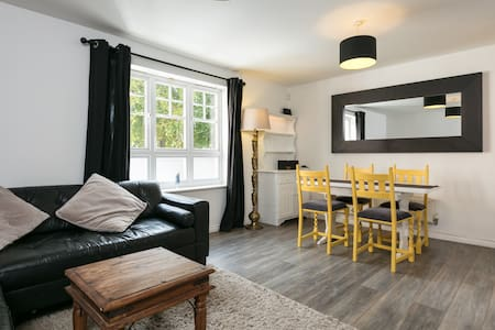 Comfortable and private two bedroom apartment