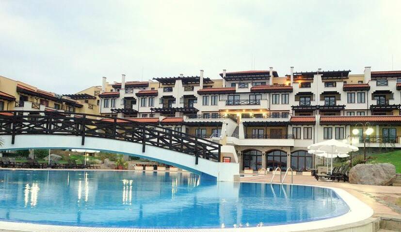 Апартаменты  на море в комплексе  Свети Никола - Chernomorets - Apartment