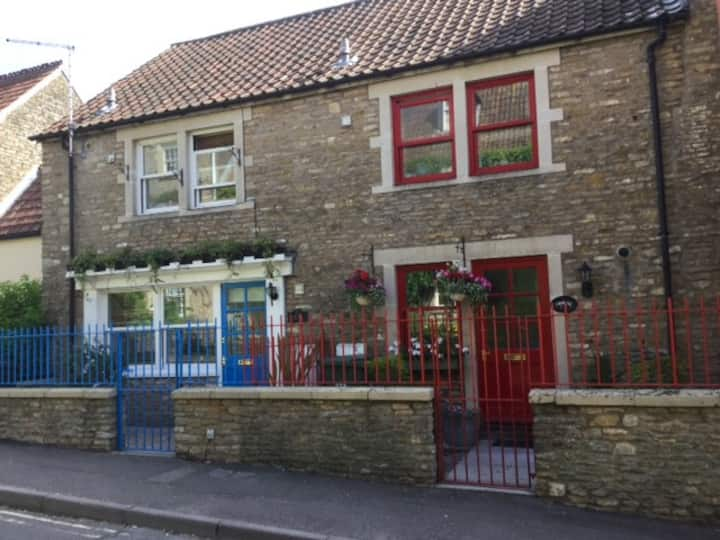 Cosy Cottage in Conservation area of Frome