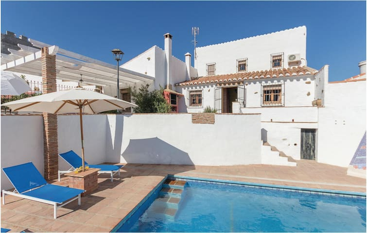 Holiday cottage with 5 bedrooms on 130 m² in Almachar