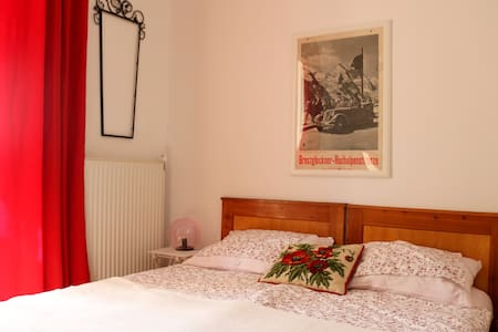 Einfaches Stilhaus-Zimmer im Drautal