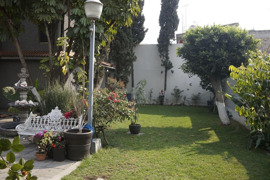 Habitaci n privada casa con jard n huizen te huur in for Distrito ciudad jardin
