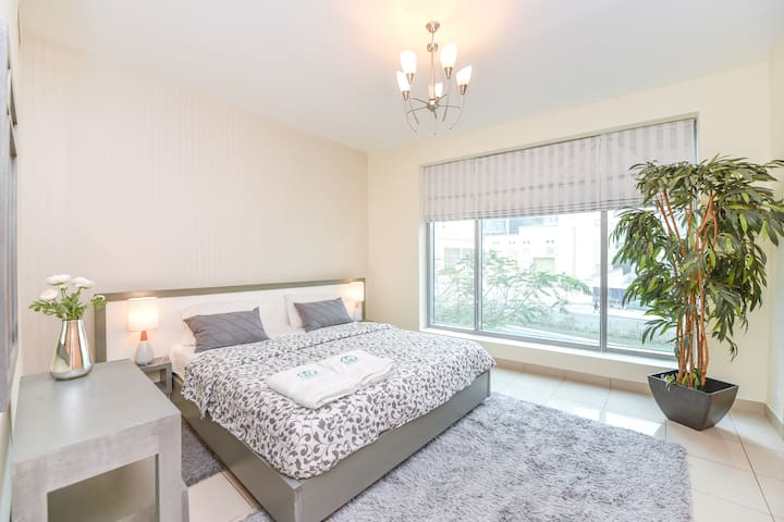 Exquisite 1 Bedroom in Blakely Tower Dubai Marina