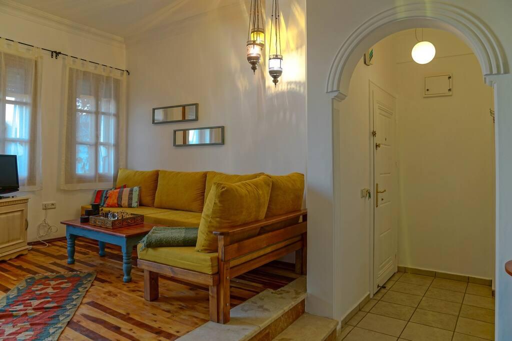 Living Room / Oturma Alanı