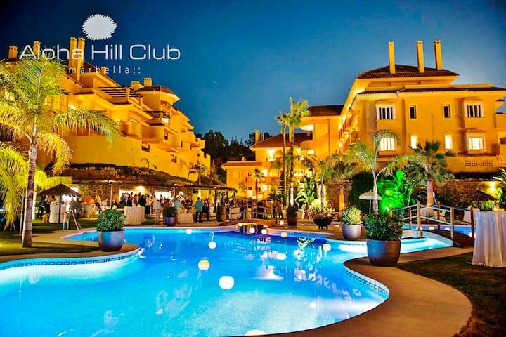 Aloha Hill Club 5★ Golf Resort Near Puerto Banus P