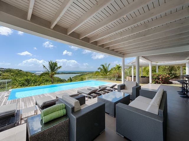 Villa No Limit w/ Private Pool & Ocean Views - MF - House