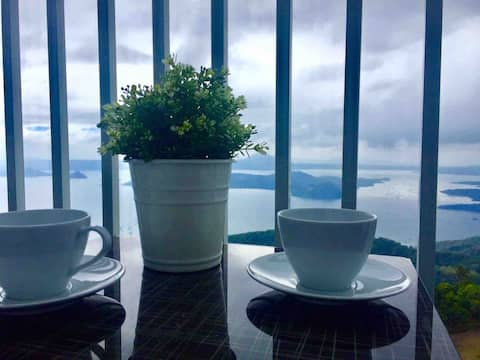 Tagaytay Wind Oasis - Best Scenic View of Taal!