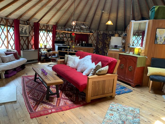 Yurt In The Woods - Private Refuge