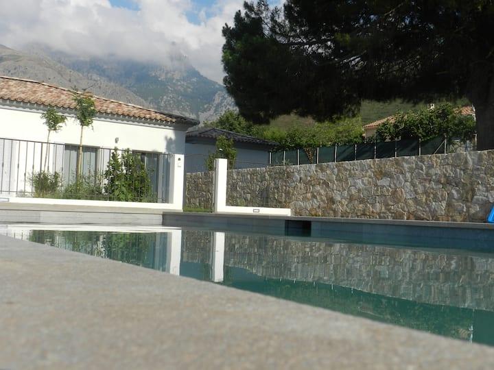 Cantari  piscine privée luxe calme mer et montagne