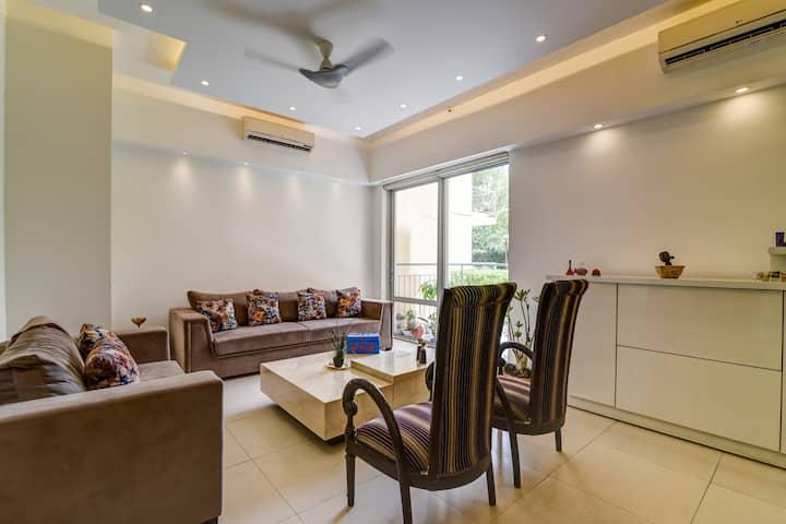 Private room in a modern 3BHK in Gurugram