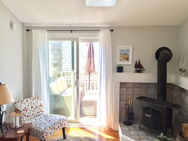 Airy, Bright and Charming in West End! - Provincetown - Appartement