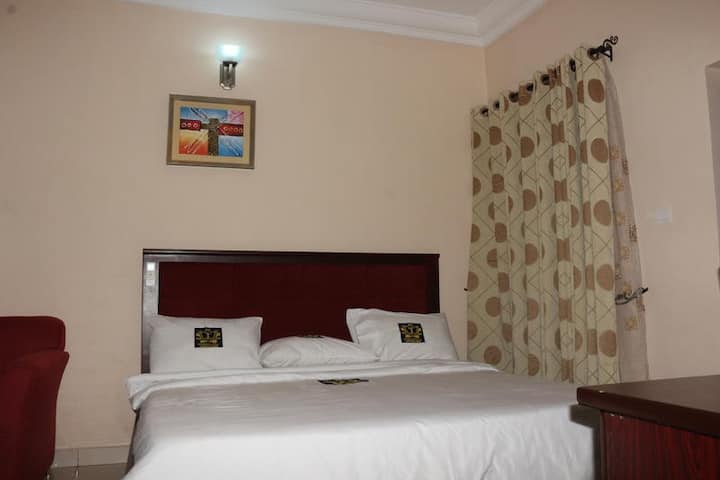 TommsVille Hotels - Executive Room