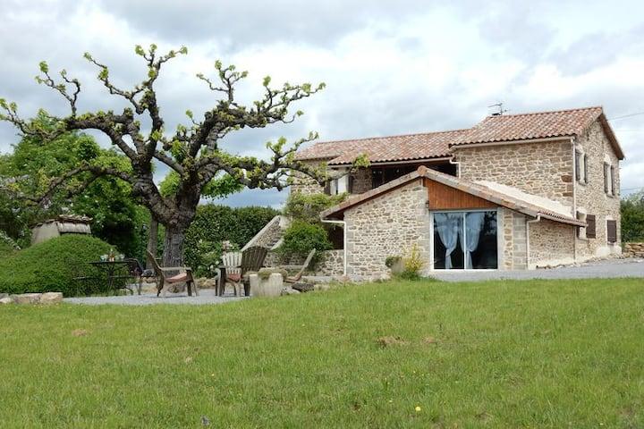 Maison à St-Étienne-de-Fontbellon, 10 personnes